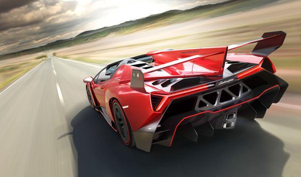 Lamborghini Veneno Roadster trasera