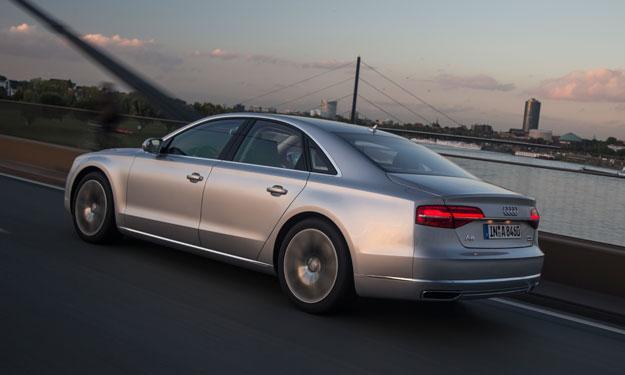 Audi A8 2013 trasera