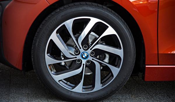 BMW-i3-ruedas