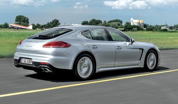 Porsche Panamera Híbrido trasera