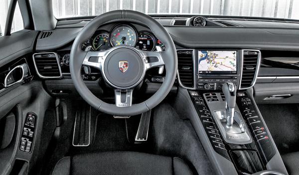 Porsche Panamera Híbrido salpicadero