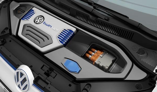 Volkswagen-twin-up!-salpicadero-capó-motor