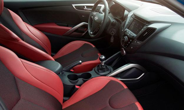 Hyundai Veloster Turbo R-Spec interior