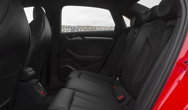 audi_s3_sedan_2014_interior_plazas_traseras
