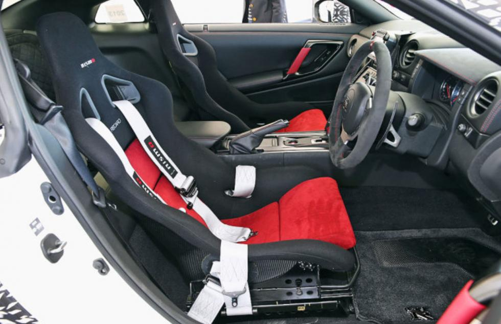 Nissan GT-R Nismo Track Pack asientos