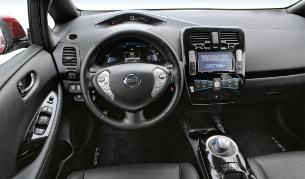 Interior del Nissan Leaf 2013
