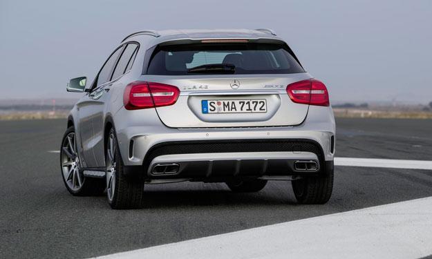 Mercedes GLA 45 AMG trasera