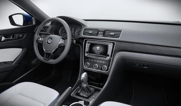 Volkswagen Passat BlueMotion Concept interior
