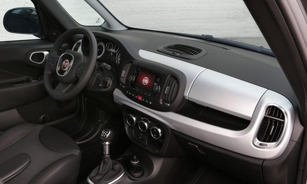 Fiat 500L Beats Edition interior