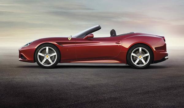 Ferrari California T lateral descapotado