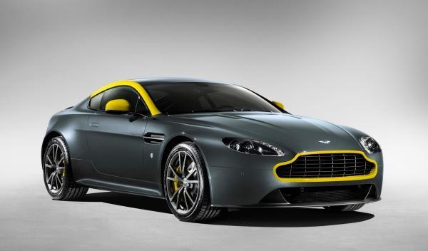 El Aston Martin V8 Vantage N430 saldrá a la venta por 109.048 euros