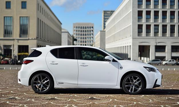 LEXUS CT 200h 2014 lateral