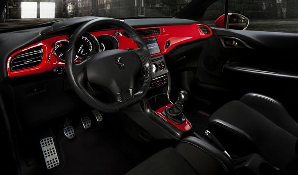 Citroën DS3 Racing S. Loeb interior