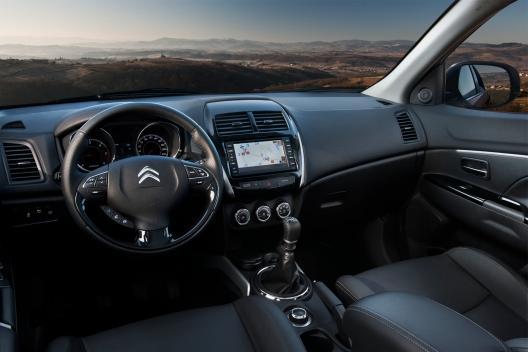 Citroën C4 Aircross interior salpicadero