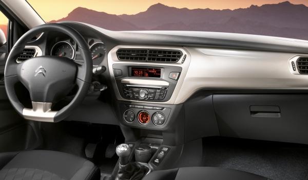 Citroën C-Elysée frontal salpicadero