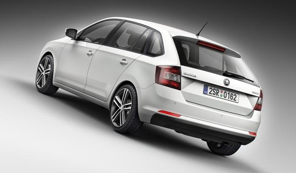 Skoda_Rapid_Spaceback_blanco