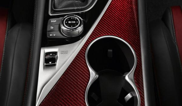 Infiniti Q50 Eau Rouge Concept detalle interior
