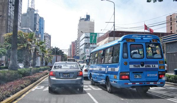 tráfico caótico en perú