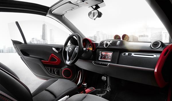 Smart BRABUS Xclusive red edition para Ginebra 2014 interior