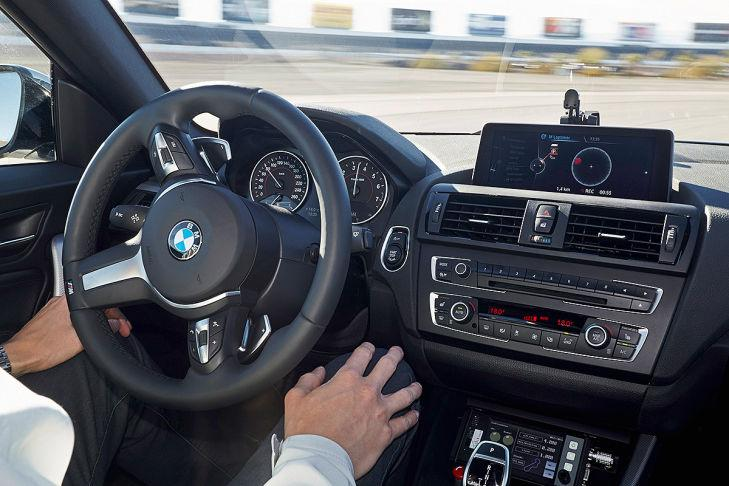 BMW Connected Drive conducción autónoma sin manos