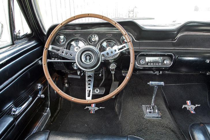 Ford Mustang GTA Fastback 1967 interior