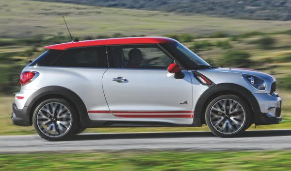 mini-paceman-lateral
