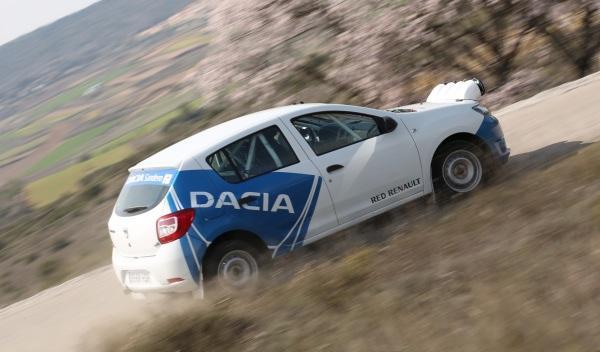 Prueba-Dacia-Sandero-Rally-Cup-lateral