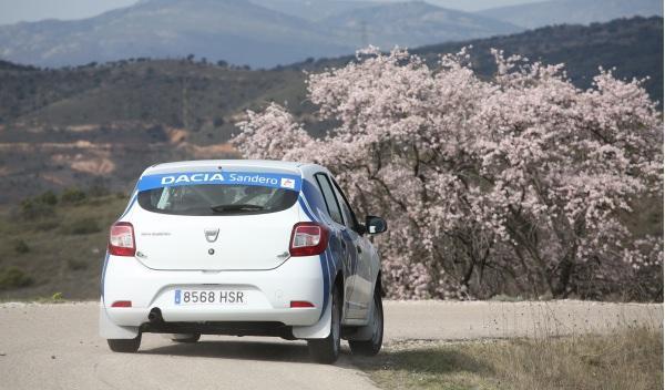 Prueba-Dacia-Sandero-Rally-Cup-trasera