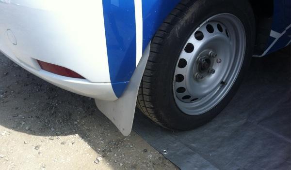 Prueba-Dacia-Sandero-Rally-Cup-pasaporte-faros-neumáticos