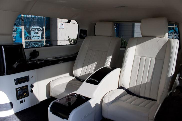 Cadillac Escalade Mark Whalberg interior