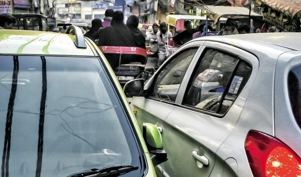 El caótico tráfico urbano de la India
