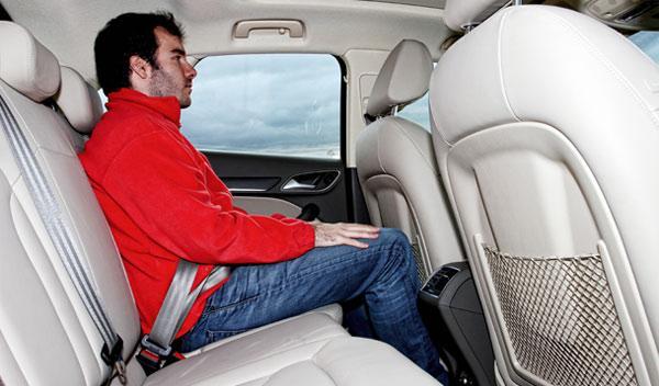 Audi Q3 2.0 TDI 177 CV asientos
