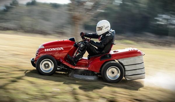 Honda Mean Mower: ¡el cortacésped más rápido del mundo! 2