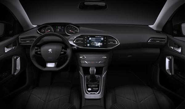Peugeot-308-SW-salpicadero