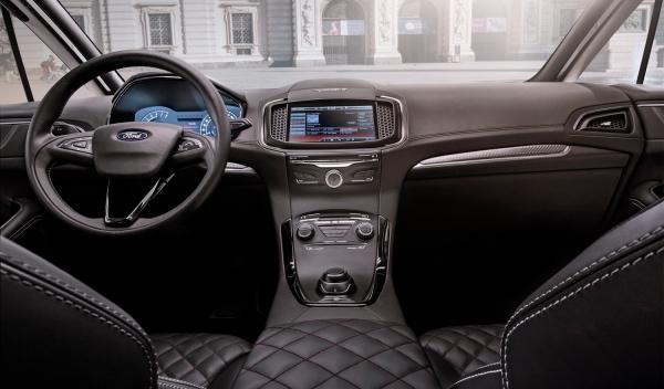 Interior del Ford S-Max Vignale, presentado en el Salón del Mueble de Milán