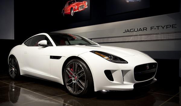 12 famosos eligen 12 superdeportivos Jaguar F-Type