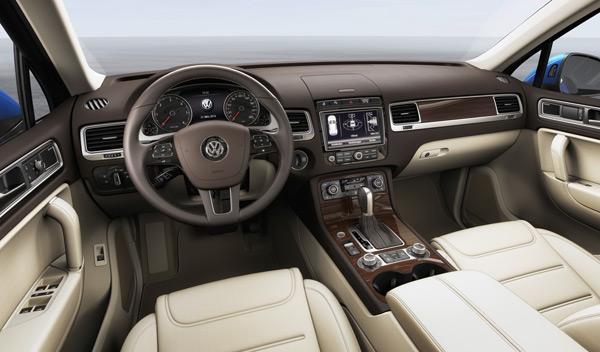 Volkswagen Touareg 2014 interior