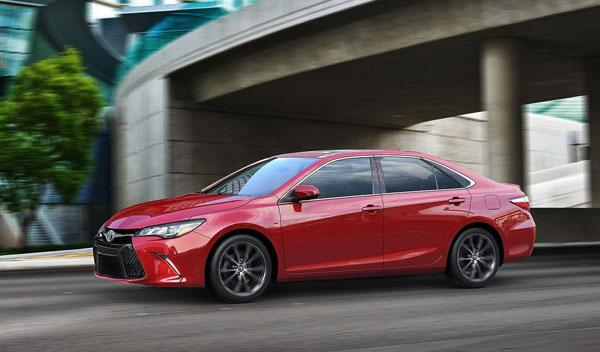 Toyota Camry 2015 lateral