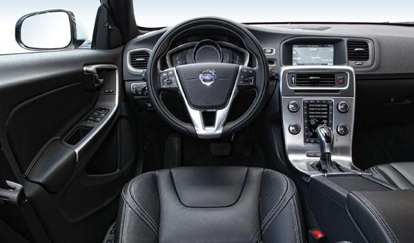 Volvo V60 Plug-in Hybrid interior