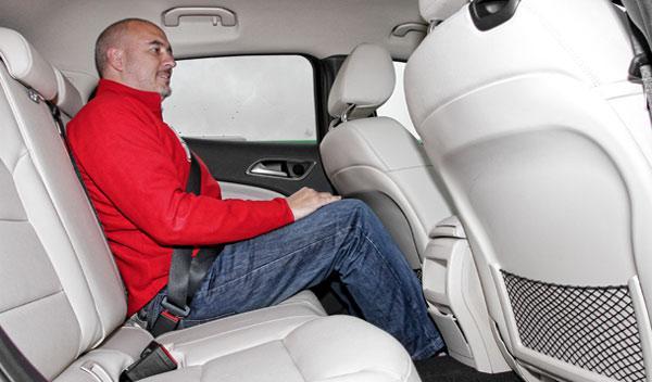Mercedes GLA 220 CDI 4Motion plazas traseras