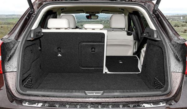Mercedes GLA 220 CDI 4Motion maletero