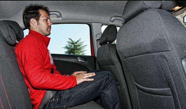 Opel Corsa plazas traseras