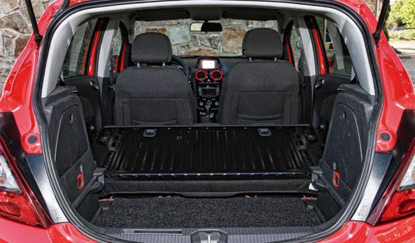 Opel Corsa maletero