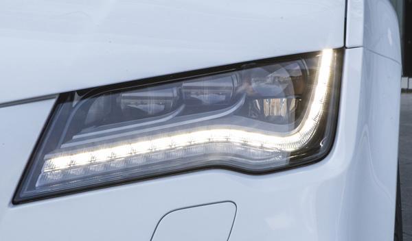 Audi RS 7 2014 faros