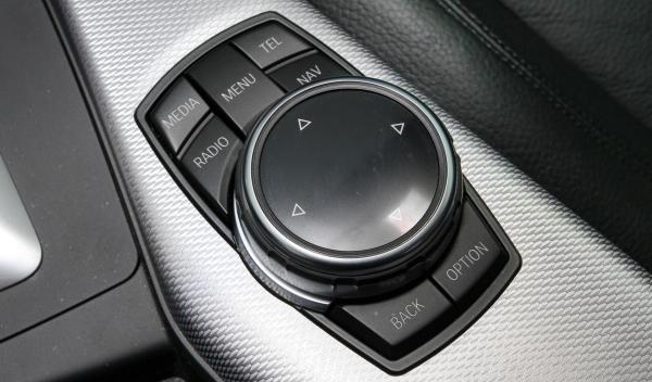 BMW-M235-idrive