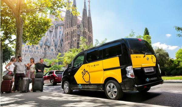 Nissan-EV-N200-taxi