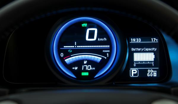 Nissan-EV-N200-relojes