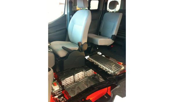 Nissan-EV-N200-baterias