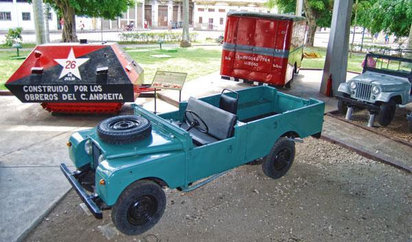 land rover de fidel castro en museo revolución cuba