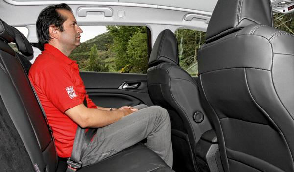 Peugeot 308 SW interior